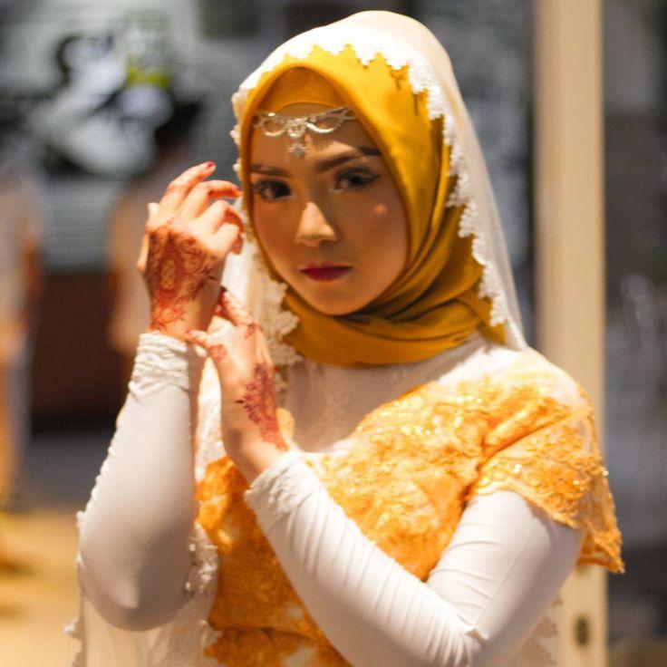Ngabuburit di hari ke-2 jangan sampai salah fokus, Thanks to : @iclub_madiun . . . #beautifull #beauty #bokeh #cantik #canon #canon7d #fix50mm #madiunevent #madiunasyik #hijab #hijabers #weddingdress #prewedd #model #models #gadis #ngabuburit #hunting #latepost http://gelinshop.com/ipost/1525902874571538179/?code=BUtGJRwlX8D
