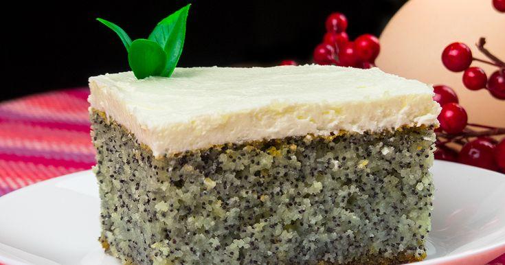 Vă prezentăm o rețetă de prăjitură cu mac minunată, pufoasă, fină și foarte delicioasă, care o să vă lase gura apă. Este o adevărată operă culinară, cu un aspect unic, un gust fabulos, care o