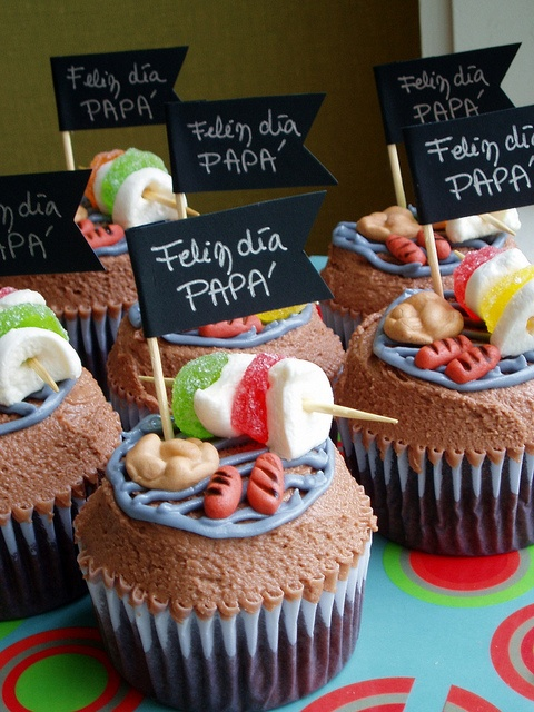 BBQ father's day cupcakes by Sofía Bozzolo, via Flickr