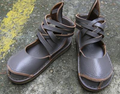 Chaussures multi lanieres MESH gris perlé [Trippen]