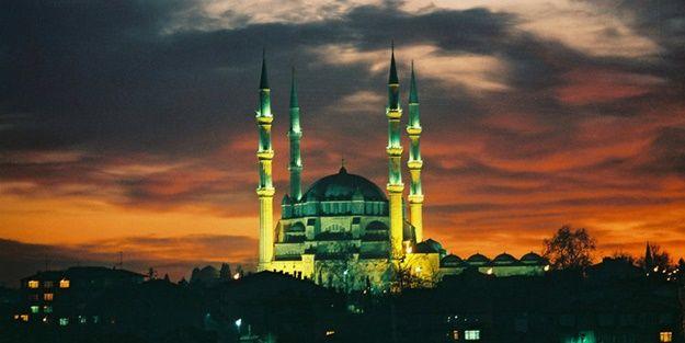 Selimiye, o kiliseye cevap olarak yapıldı