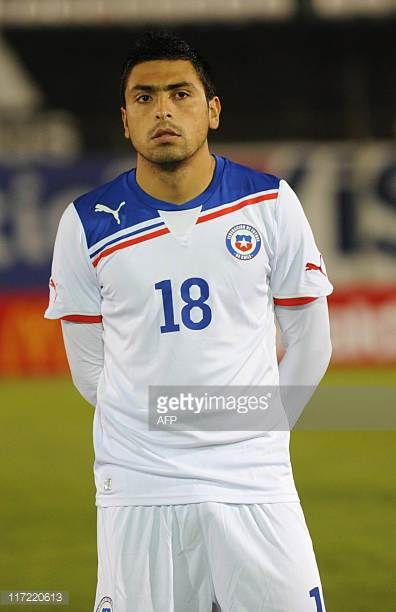 Chile's national football team player Gonzalo Jara before their friendly match against Paraguay in Asuncion on June 23 2011 AFP PHOTO Pablo Burgos