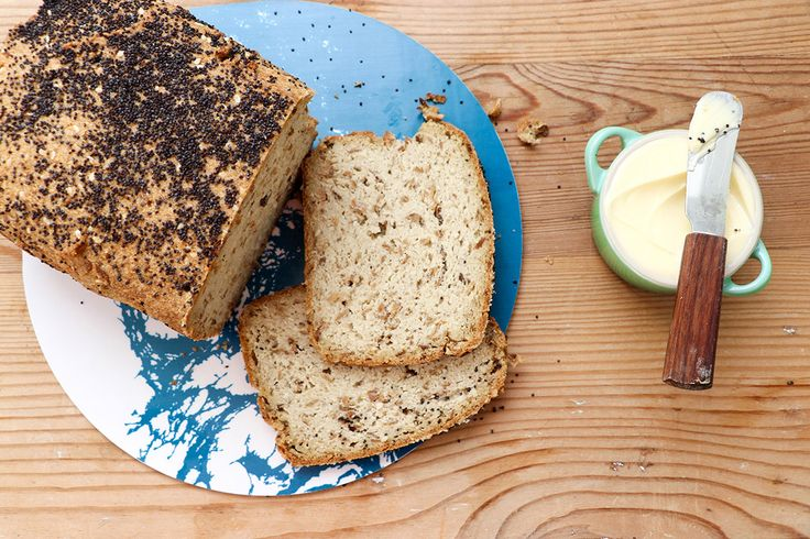 Detta bröd blir toppengott till en soppa, eller rosta för att ha till frukosten. Toppa med god ost, kokta ägg eller varför inte som matsäck om du är på vift. Tryck nedan för att komma till receptet! Till en fibrexlimpa lchf 5 ägg 130 g smör 5 dl grekisk/turkisk yoghurt 1 dl fibrex (+ drygt…
