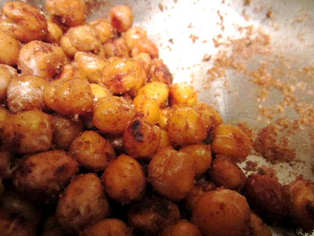 Sweet and Salty Roasted Chickpeas | Yummy Things to Eat | Pinterest