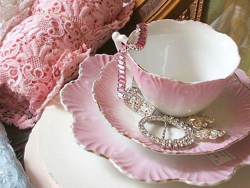 preciosor: Teas Time, Teas Cups, Pretty Pink, Pastel Pink, Teas Sets, Vintage Life, Teacups, Shabby Vintage, Teas Parties