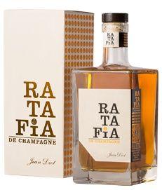 www.wijnkraam.nl - Ratafia de Champagne. Deze Ratafia nodigt u uit in de wereld van verse acaciahoning, druif, oranje bloemen en reine claude (pruim). In de mond rum aroma's met een vleugje sinaasappelschil, prachtig in balans en verleidelijk.