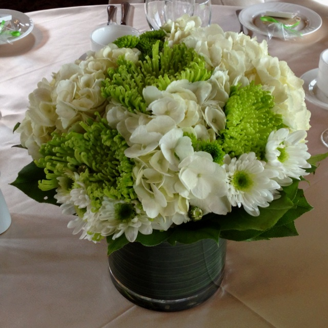 Green and white table flowers for a spring wedding - Floral Elements at Bridges