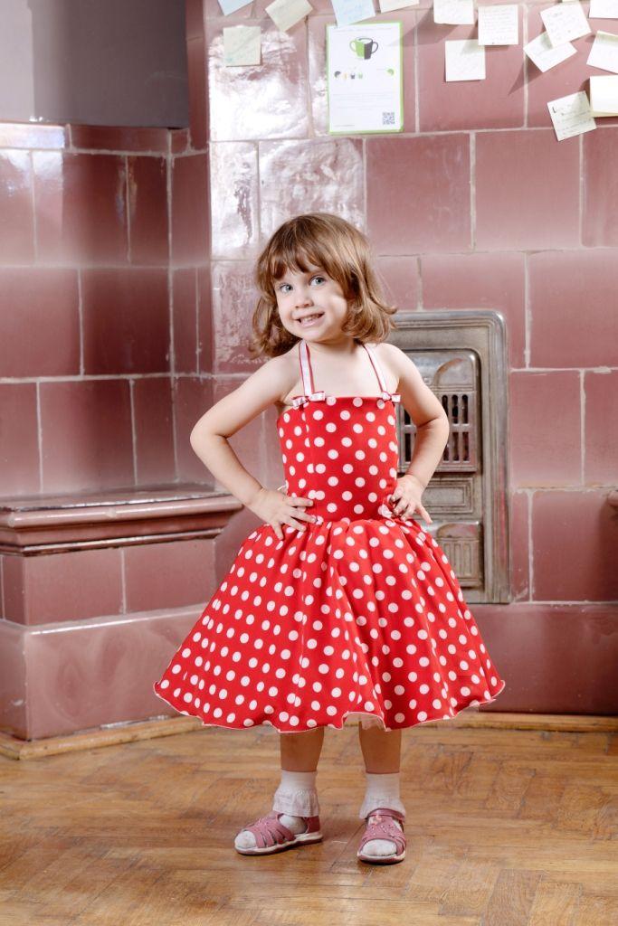 Rochita eleganta rosie cu buline pentru fetite