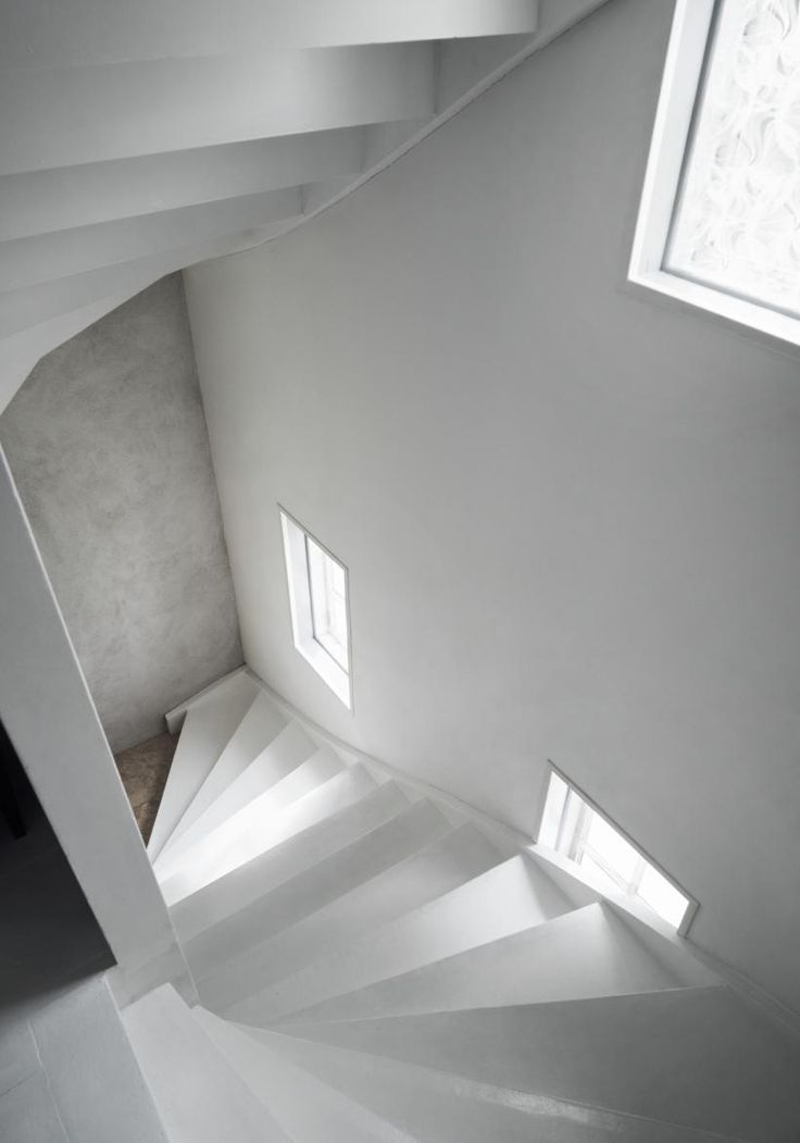 Fantastic Frank plaster stairs