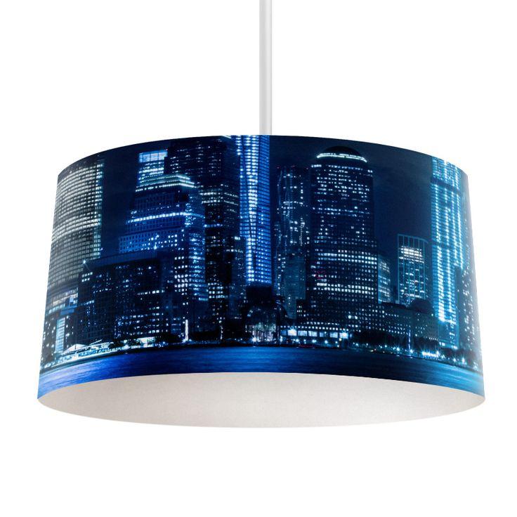Lampenkap City by night | Bestel lampenkappen voorzien van digitale print op hoogwaardige kunststof vandaag nog bij YouPri. Verkrijgbaar in verschillende maten en geschikt voor diverse ruimtes. Te bestellen met een eigen afbeelding of een print uit onze collectie. #lampenkap #lampenkappen #lamp #interieur #interieurdesign #woonruimte #slaapkamer #maken #pimpen #diy #modern #bekleden #design #foto #stad #nacht #skyline #amerika #modern #architectuur #blauw #kantoor #zakelijk #gebouw