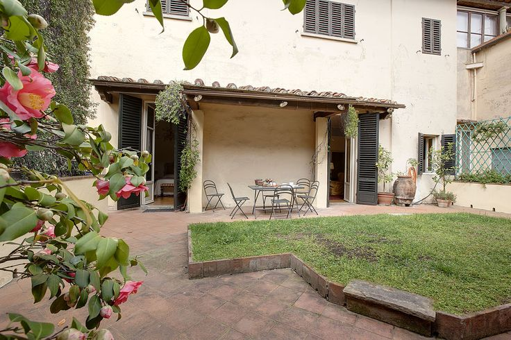 Florence appartment (with internal terrasse) to rent Via Tornabuoni . Ask Villa le Barone