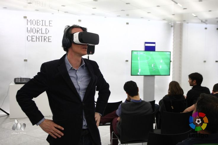 We give you a  first-hand experience of watching the world's first virtual reality broadcast of a live football match during Saturday's #ElClasico.