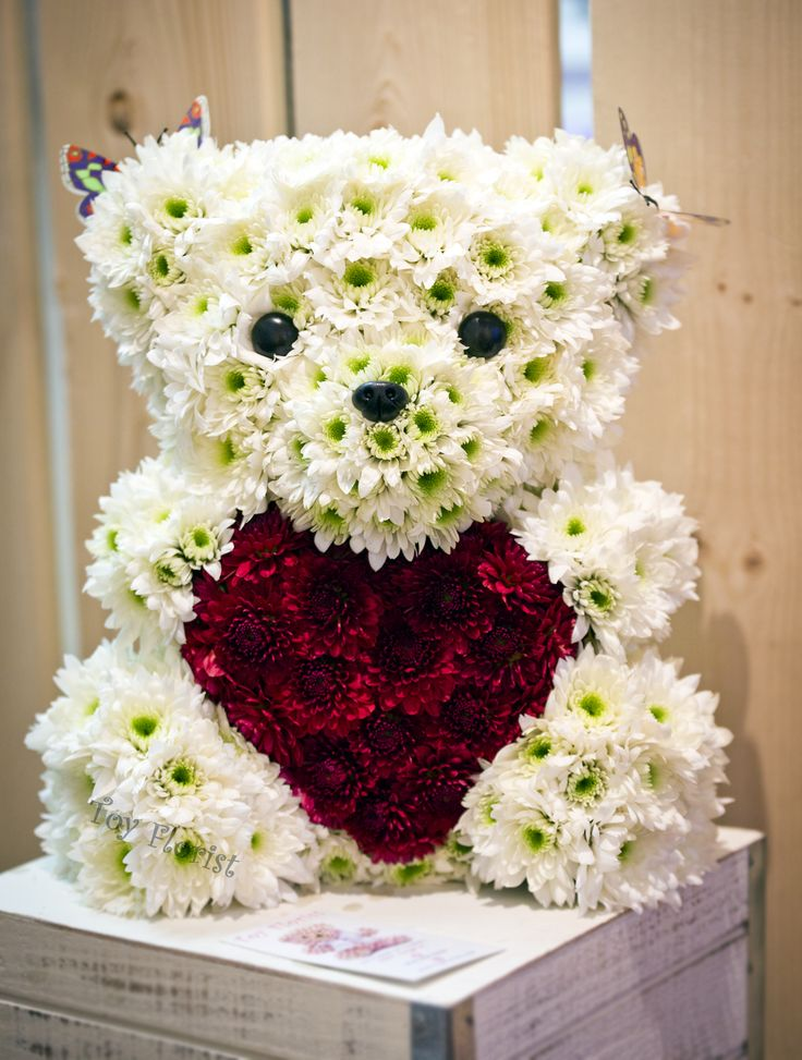 Creative gifts made of fresh flowers @Toy Florist.com
