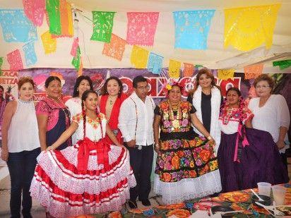 En compañía de regidores del Ayuntamiento, se destacó que se trata de un hermanamiento entre Oaxaca y Campeche, cuya finalidad es dar a conocer las tradiciones de Oaxaca y traer a los campechanos un poco de la cultura de esa región del país.