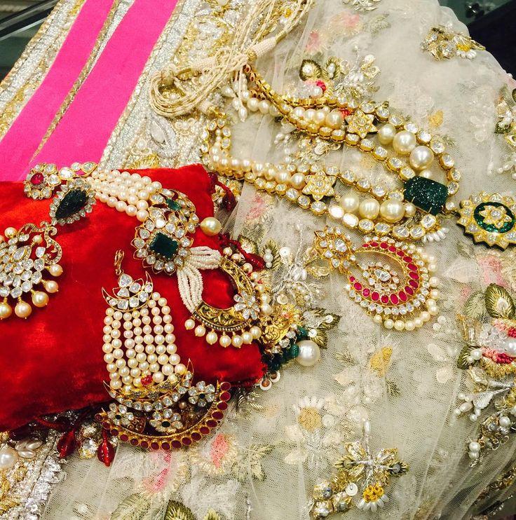 Sherezade fine jewellery and élan wedding wear-  #sherezade #plbw15 #elan #jewellery