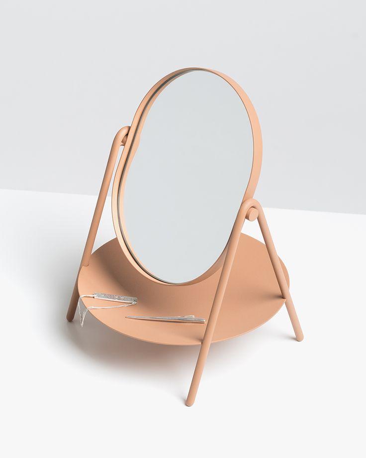 Elli mirror by KNAUF AND BROWN, winner of the Stockholm Furniture Fair 2017 / huskdesignblog.com / #design #mirror #stockholmfurniturefair