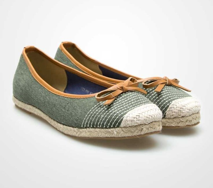 Reina Flat Shoes by Shoeholics.Reina Simple falt shoes with stripes prints on its front and is adorn with bow, this shoes are perfect for your summer getaway. Simple green flat shoes with rope details, combination of faded green and broken white makes this flat shoes look so cute. http://www.zocko.com/z/JGoMU