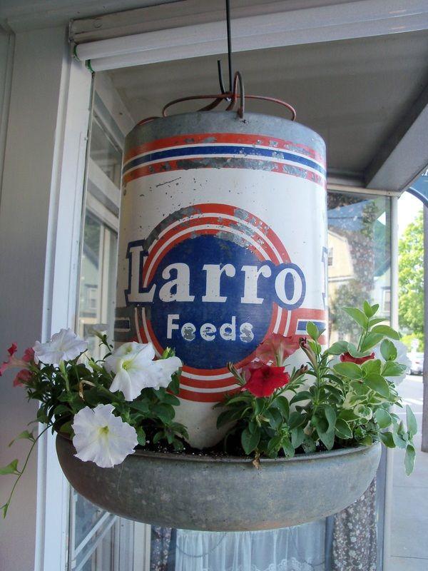 Vintage Larro Feeds Flower Planter