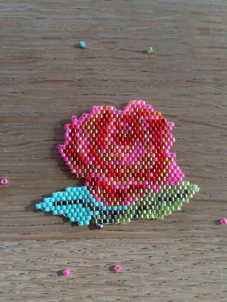peyote brickstich perles diy broche rose fleur