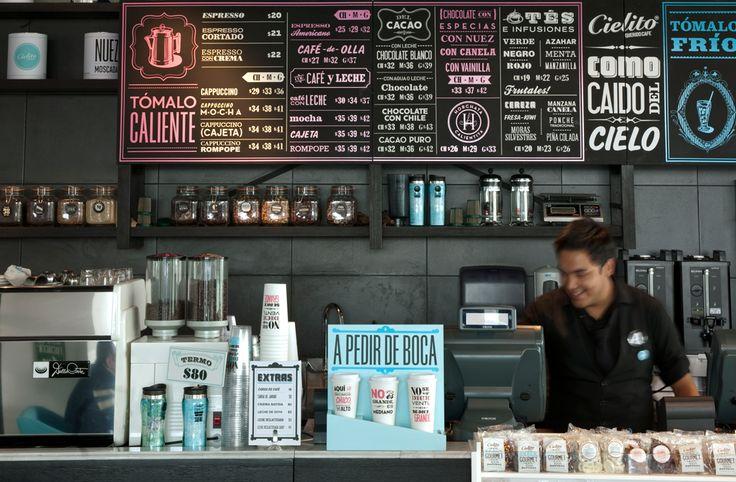 See More Photos  Cielito Querido Café est une chaine de café Mexicaine qui réalise un gros travail sur l'aspect de ses boutiques. L'ensemble des points de vente ont un design commun qui tourne autours des jeux typos, des couleurs vives et de matériaux naturels. Le branding a été réalisé