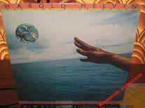 """LP: HAROLD MELVIN & THE BLUE NOTES - Reaching for the world (1976). ABC USA. - 1 $  Harold Melvin & Blue Notes - американская группа одна из самых популярных групп Philadelphia soul 1970-х годов. Репертуар группы состоит из soul R&B doo-wop и disco музыки. Группа ранее известная как Charlemagnes взяла себе название """"Blue Notes"""" в 1954 году состояла из вокалиста Гарольда Мелвина (родился 25 июня 1939 года в Филадельфии умер 24 марта 1997) Бернард Уильямс Рузвельт Броди Джесси Гиллис-младший и…"""