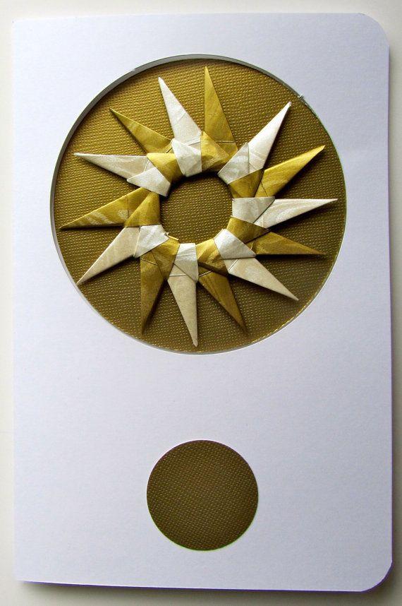 РОЖДЕСТВЕНСКИЙ Поздравительные открытки содержат съемные украшения, ручная, как звезды / Венки в мерцающие металлические Золото и белый на золото.  One Of A Kind