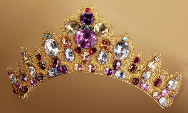 19th-century tiara of 18K gold with diamonds, emeralds, rubies, amethysts, garnets, and topaz.