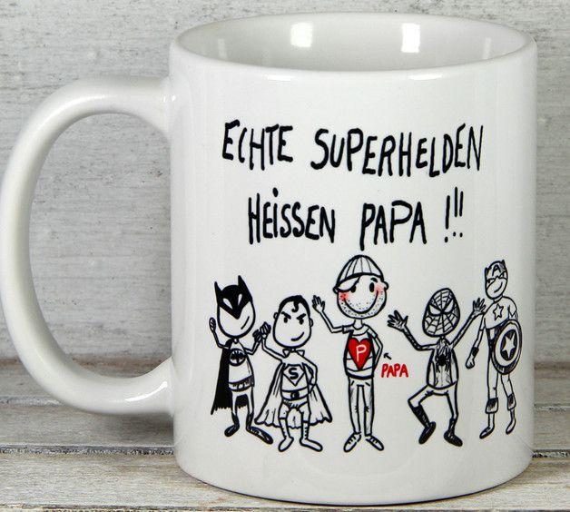 **Vatertag Vatertagsgeschenk Tasse Papa** mit personalisierten Namen der/des Kinder/s. Coole originelle individuelle Vatertag Vatertagsgeschenk Tasse von _Geschenkideen by My-SweetHeart_  **Über...
