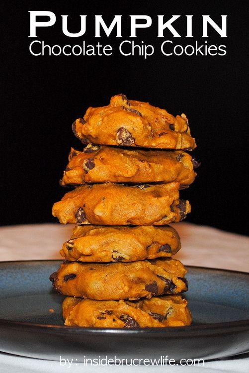 Pumpkin Chocolate Chip Cookies - soft pumpkin cookies with chocolate chips http://www.insidebrucrewlife.com