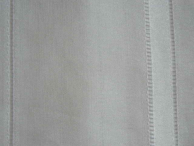 One french curtain like new because never used. 2m40 x 3m.    Available right now    Price: 2.500¥     Great to look at!!!