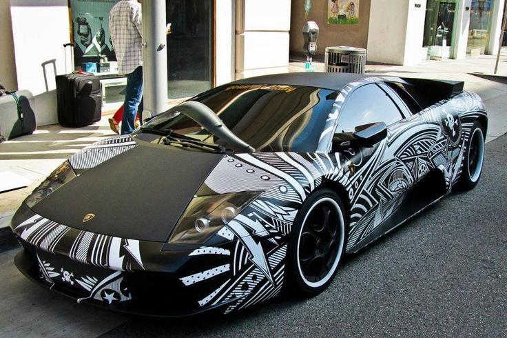 Amazing paint job! Lux cars,