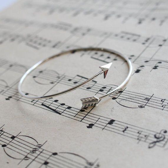 Boog en pijl armband zilveren verstelbare Bangle door Shootingnelly
