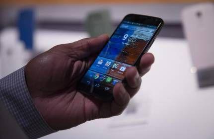 En Colombia se pueden asegurar los celulares desde 5.000 pesos mensuales -- Dentro del tipo de seguros que ofrece el mercado para proteger los aparatos tecnológicos, el que tiene más potencial para el negocio es el del celular...