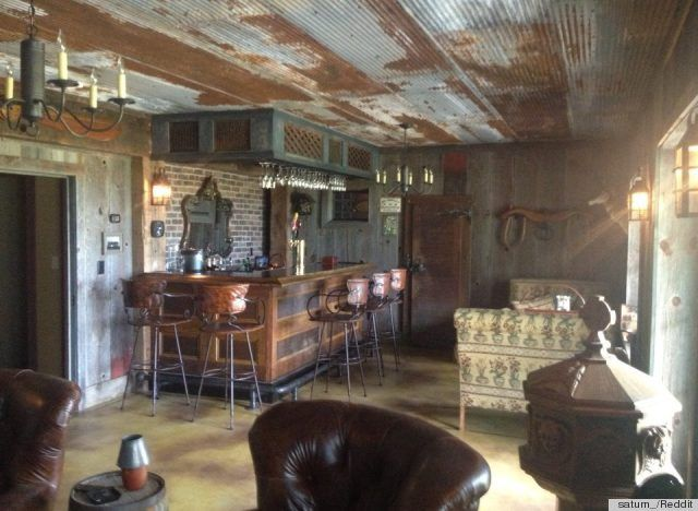 images of diy barnwood furniture | DIY Bar Made From Old Barn Scraps Is The Ultimate Man Cave (PHOTO)