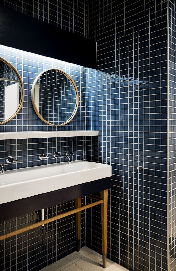 dark blue bathroom tiles best 25 blue bathrooms ideas only on 18040