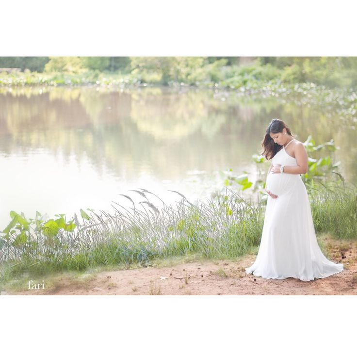 Maternity photos by @fari.lifestyle