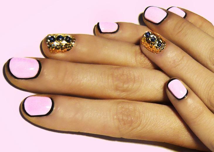 Форма ногтей для применения золотого лака не имеет значения