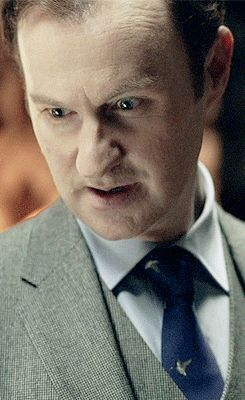 Haha the similarities (gif). (I don't see it but this made me laugh. Are there seriously umbrellas on Mycroft's tie? Maybe he does have a sense of humor. Or just an unhealthy love of umbrellas.