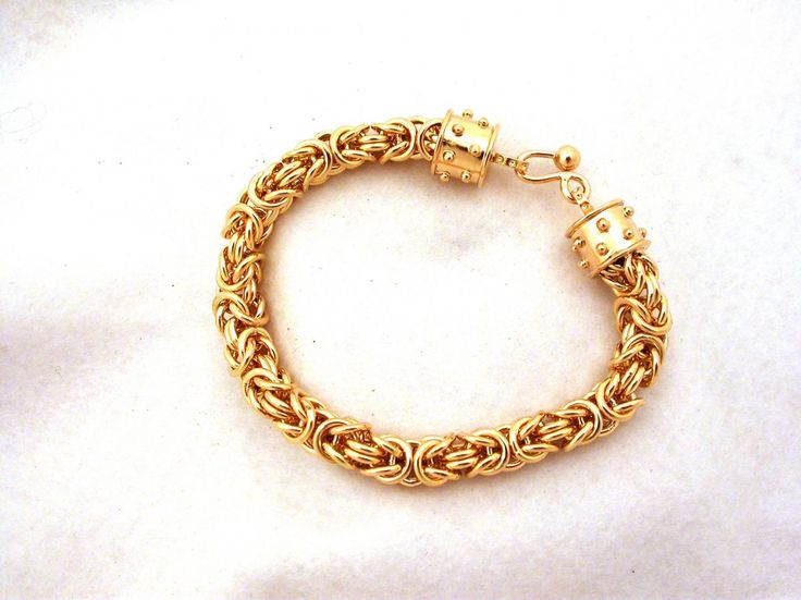 Bracelet -  Byzantine - Link. 18 carat gold (kt), yellow gold, 83.70 grams (gr). Diameter: 0.32 inches (Usa) | 0.8 cm (Italy). Size: 8.20 inches (Usa) | 21.00 cm (Italy). Codex: RLOS.ss.