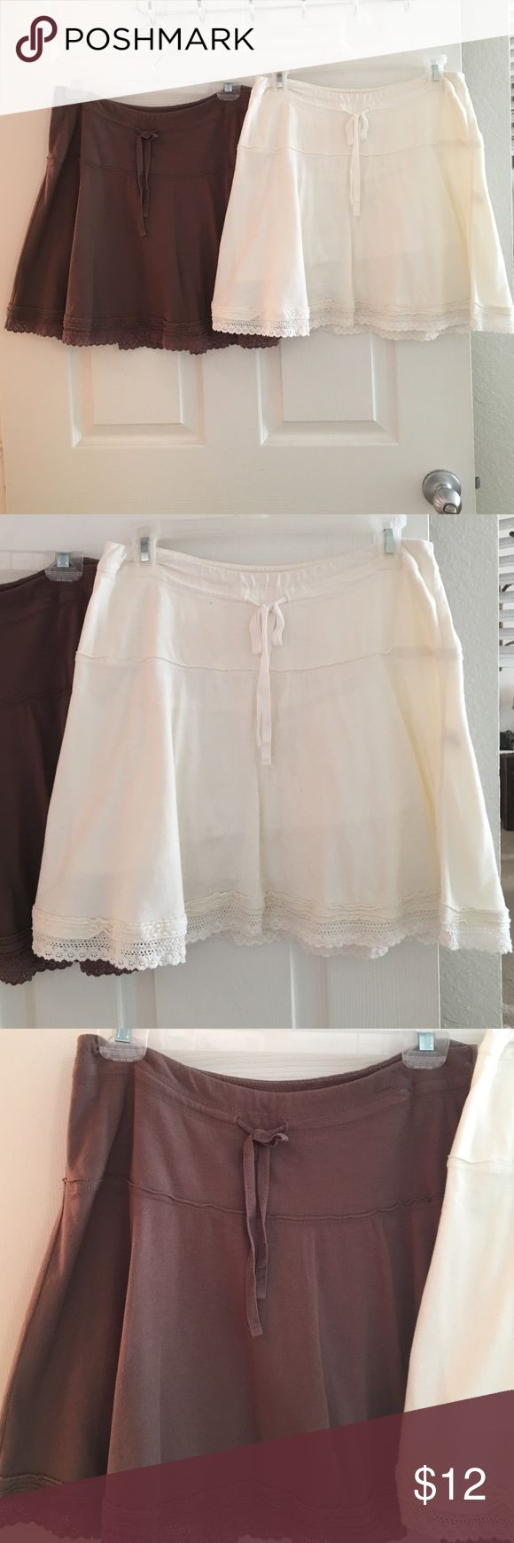 Abercrombie and Fitch women's skirts size small Smoke free/pet free home. You get both skirts for one price. These skirts come just above the knee. One is white and one is brown. Both are Abercrombie and Fitch size small. Abercrombie & Fitch Skirts