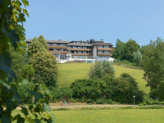 Gästehaus von Hotel Waldachtal mit Schwimmbad, Massage und Wellness Anwendungen, Kurzurlaub in der Natur