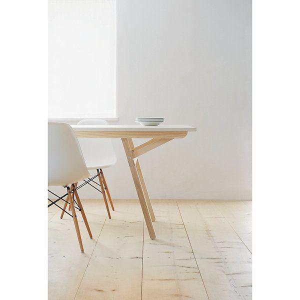 Das kann kaum ein anderer Tisch: Durch ein raffiniertes Klickschnappsystem können die Beine von KLOPSTOCK in zwölf... - Tisch Klopstock