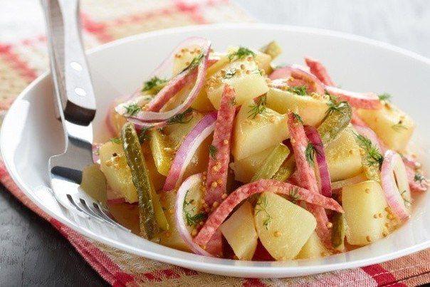 Картофельный салат с луком и салями   Кулинарные Рецепты