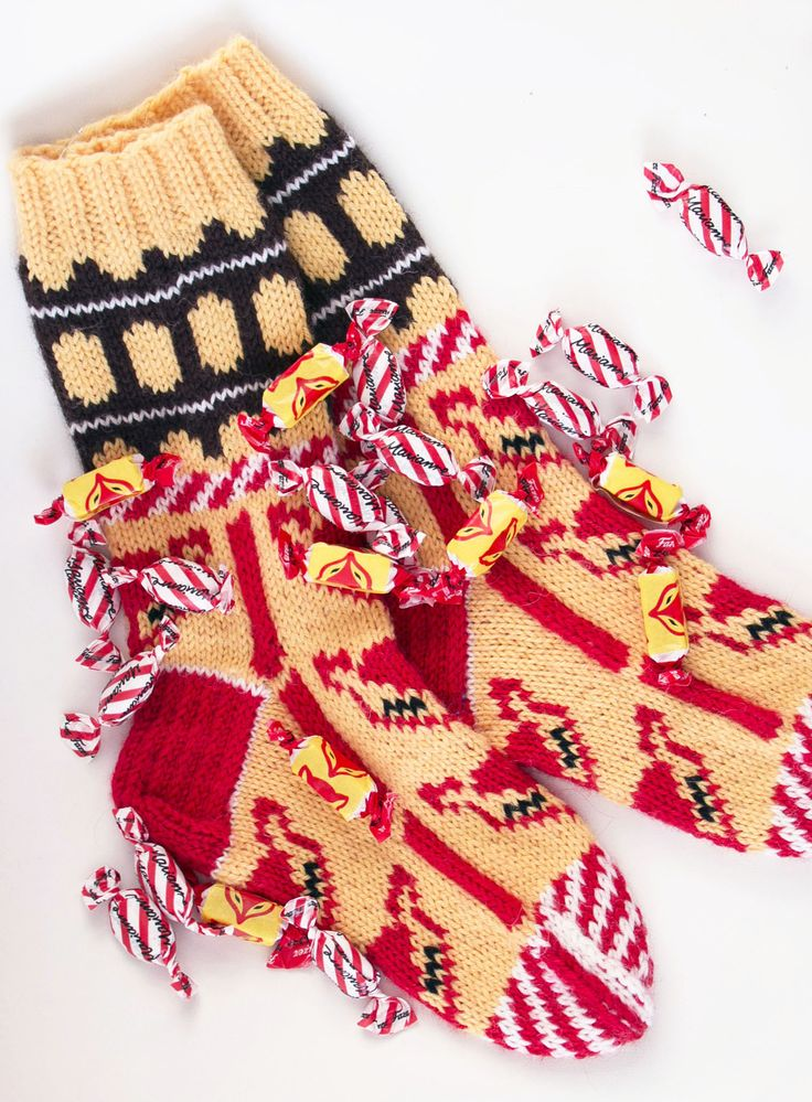 'Kettukarkki wool socks' made with Novita 7 Brothers yarn #novitaknits #knitting #knit https://www.novitaknits.com/en