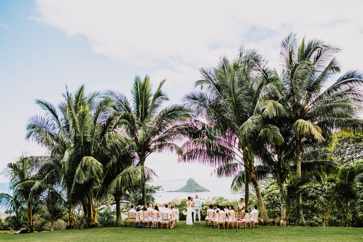 Epic locations to elope in Hawaii by Modern Elopement