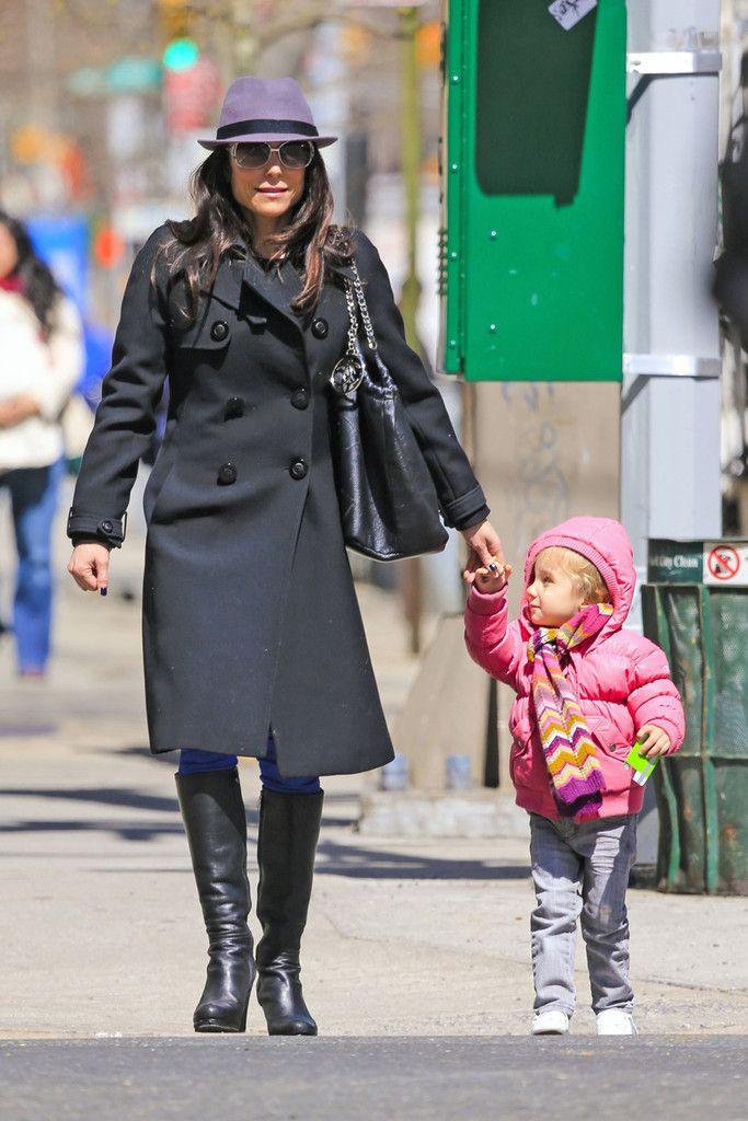 Bethenny Frankel Photo - Bethenny Frankel Shops With Her Daughter