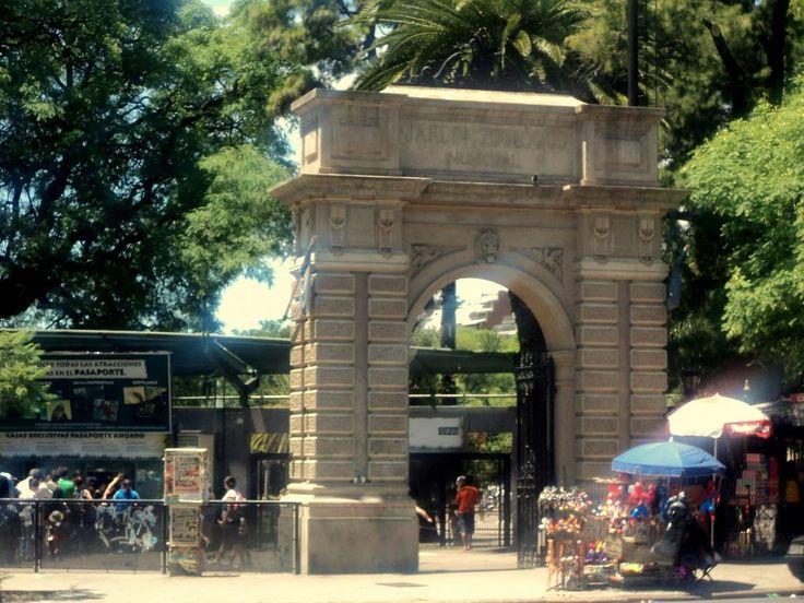 Éste es Buenos Aires Zoológico de Argentina. Puedes muchos animales.