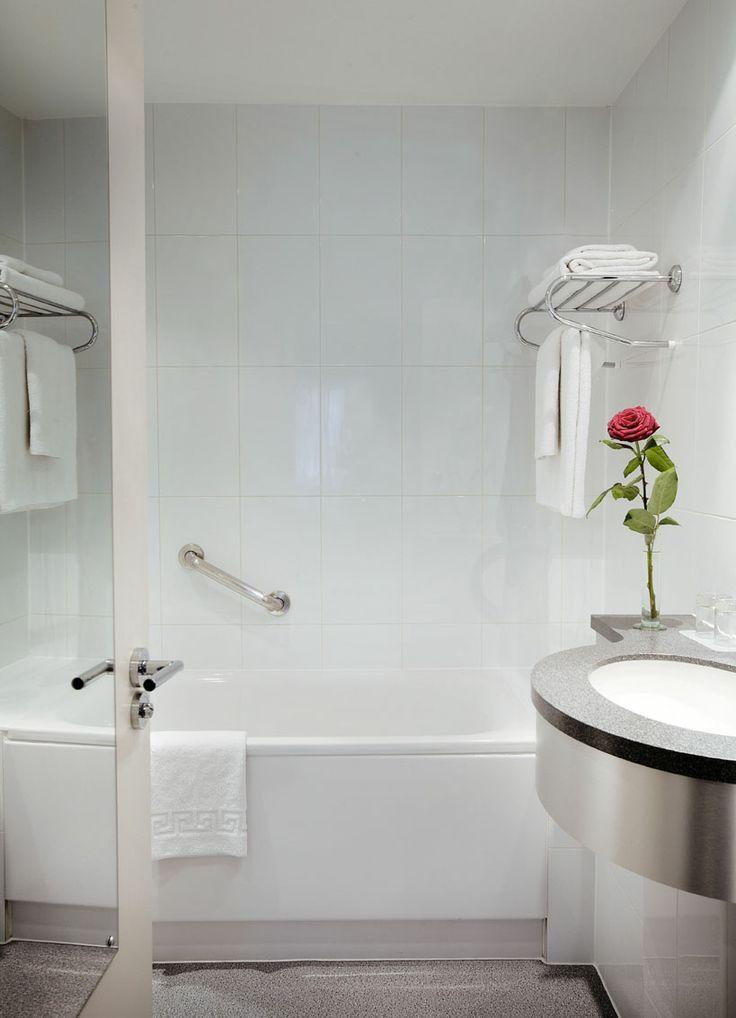 The bathroom ... Single hotel room London, boutique hotel, The Caesar Hotel: Boutique Hotels, Boutiques Hotels, Hotels Bathroom, Rooms London, Single Hotels, Luxury Hotels, Hotels Rooms, Caesar Hotels