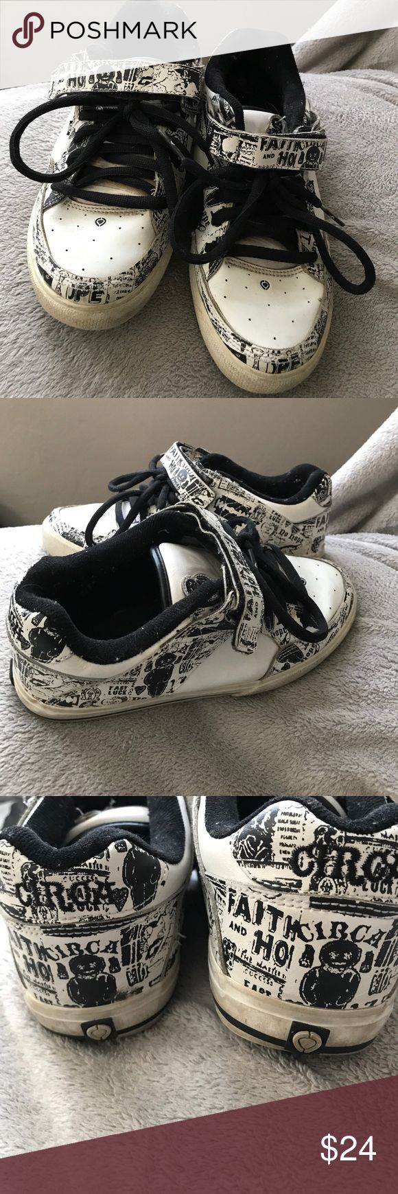 Circa Skate Shoes - Men's 7 Women's 8.5 Circa Skate Shoes - Men's 7 Women's 8.5. These are pretty used but they have been taken care of and still have some skate sessions left in them. Velcro and tie. Black and white. Circa Skate Shoes Athletic Shoes