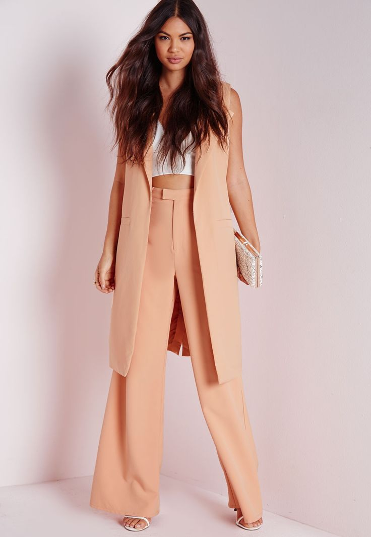 Missguided - Sleeveless Longline Collarless Blazer Nude